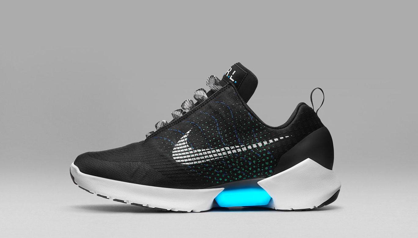 มาทำความรู้จักกับ Nike HyperAdapt รองเท้าแห่งอนาคตที่สาวกไนกี้ห้ามพลาด eb065cbd9e
