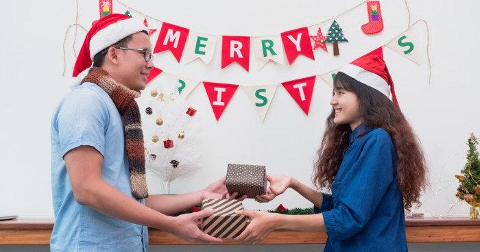 A Boyfriend For Christmas.5 Best Christmas Gifts For Your Boyfriend Or Girlfriend