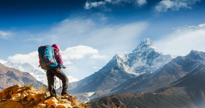 7 Peralatan Hiking Yang Wajib Dimiliki Para Hikers Pemula