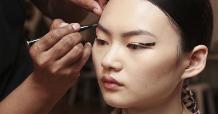 Kamu yang Pemula Harus Tahu Trend Makeup AW18!