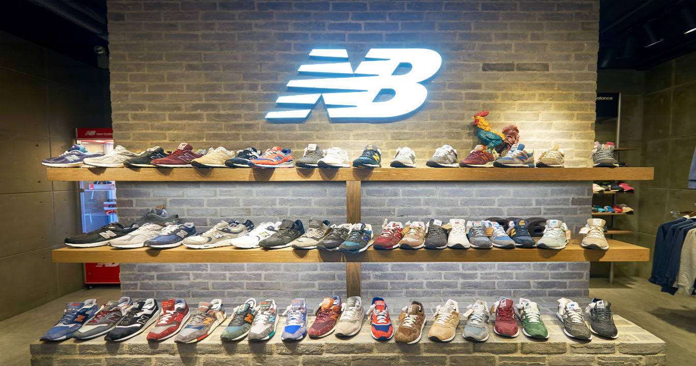 Sepatu New Balance Populer di Indonesia tapi Dibakar di Amerika 431c83b0cc