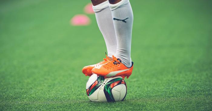 Warna-warni Sepatu Sepak Bola Puma 58382d6d5b