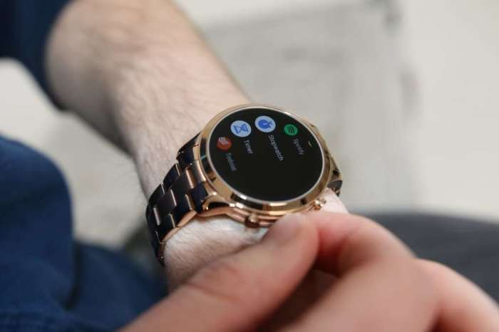 43b47b09ee Last August, Michael Kors launched its brand new Access Runway smartwatches  that come with more upgrades. In its latest smartwatch that runs on Wear OS  ...